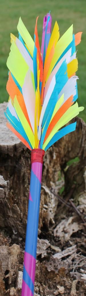Puschelfluflu mit zweifarbig lackiertem Schaft