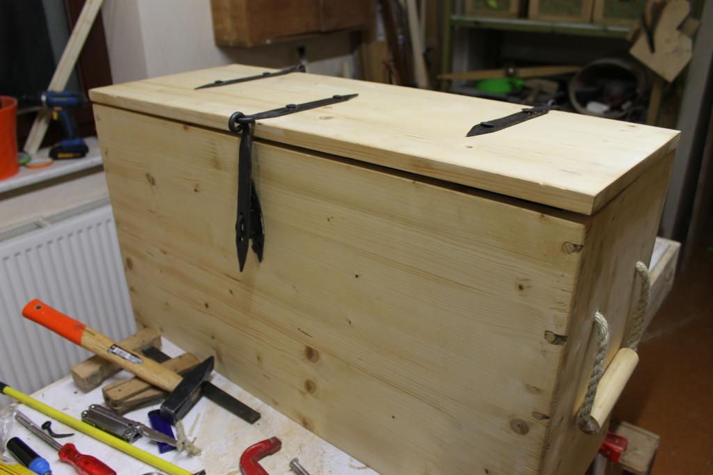"Fertige Kiste ohne ""Anstrich"""